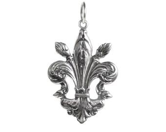 Fleur de Lis Sterling Silver Charm Pendant