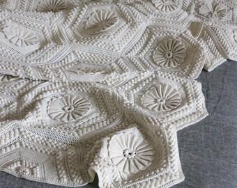 Vintage Crocheted Throw Blanket - Off White Cotton Bedding 3D Floral Popcorn Pattern Crochet Throw Blanket - Cream Beige