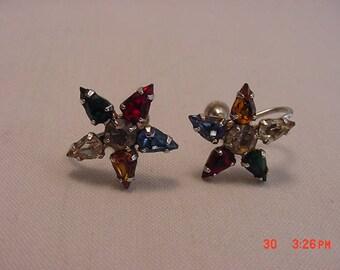 Vintage B. David Rhinestone Screw On Earrings  17 - 570