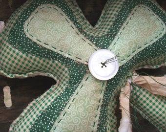 Primitive St. Patrick's Day Shamrock Greeter Cupboard Tuck