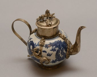 Miniature Tea Pot blue and white with Panther Horse and frogs Filligree Asian