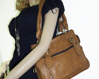 Tan Shoulder Cross body Purse Rina size M // SALE