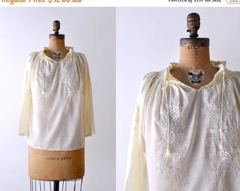 25% OFF Vintage peasant blouse. 70's boho top. small. 1970 light yellow blouse. embroidered. m.