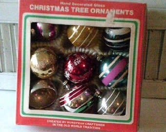 Vintage Antique Glass Christmas Ornaments a Mixture of Shiny Brite and Colby 0051