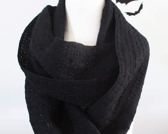 Handwoven Cotton Lace Loop Scarf Black