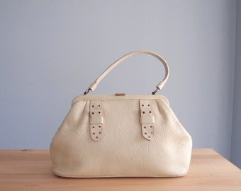 1960s Saber bag Ivory Leather purse buckle strap frame bag with pretty print lining