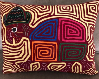 Animal Mola Pillow, Kuna Indian Mola, Panama Mola, Turtle Mola, Hand Sewn Mola, Abstract Art Pillow