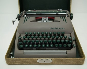 Vintage 1954 Smith-Corona Silent-Super Manual Typewriter in Lockable Yellow Pincheck Hard Case - STILL WORKS!