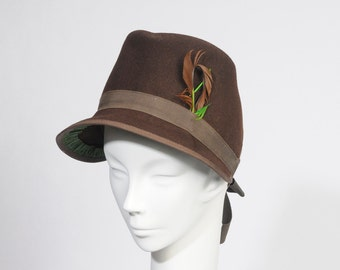 Vintage 1940 Wool Brown Bonnet Hat With Ribbon and Feathers Berkshire USA