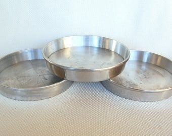 Set of 3 Vintage Mirro 9 inch Cake Pans with Removable Bottoms model Number 1179M Vintage 9 Inch Heavy Aluminum 2-Piece Cake Pans