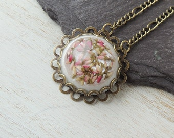 Flower Necklace, Heather in Resin Cabochon Necklace, Flower Jewellery, Heather Jewellery, Resin Jewellery, Botanical Jewellery, UK, 1984