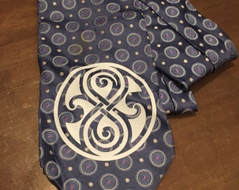 Doctor Who Vintage Tie with Seal of Rassilon
