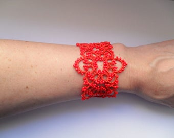 Handmade tatted bracelet in red, red lace bracelet, red tatted bracelet, lace jewelry