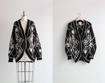 Slouchy Oversized Cardigan . Vintage 80s Sweater . 1980s Cardigan Sweater