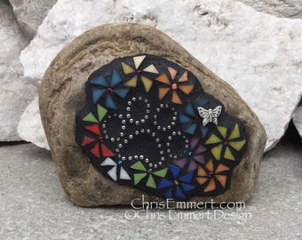 Pinwheel Flowers, Black Paw Print - Garden Stone, Pet Memorial, Garden Decor'