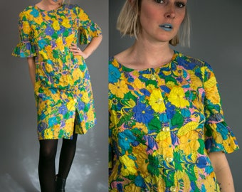 Vintage 60's Ruffed Candy Colored Button Up Day Dress in Floral Print Women's Retro Medium Large
