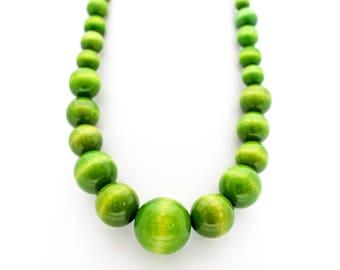 Wooden beads Ultraelegant retro necklace light green