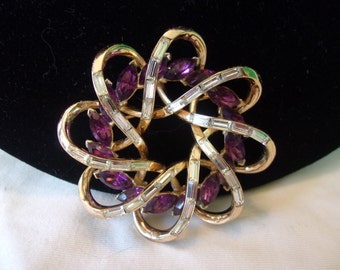 TRIFARI Pat Pend Sculptural Brooch Purple Diamante Glass Rhinestone Vintage Gold Plate