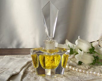 Vintage Crystal Glass Perfume Bottle with Stopper Art Deco Vintage 1940s
