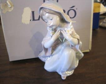Llardo # 5752... Little Virgin... MIB