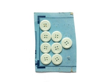 8 White Buttons, Glass Buttons, Vintage Buttons, 21mm