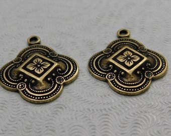 Oxidized Brass Pendant Floral Medallion (2 pcs) 18mm F-A8463-1