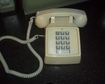 Vintage ITT Electric Push button dial beige desk telephone - WORKS!