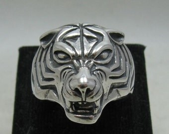 Sterling silver pendant solid 925 tiger ring