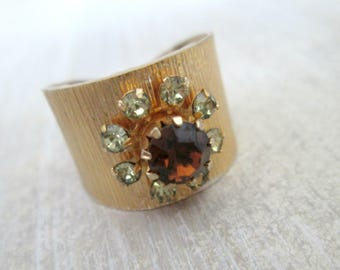 Sarah Coventry Vintage Gold Ring Rhinestone Cluster Flower Band