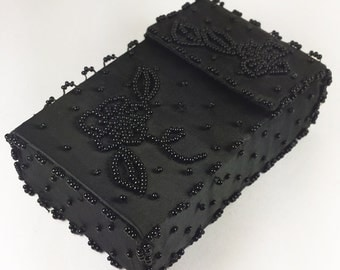 Black Silk Vintage Cigarette Case. Business Card Holder, Hand Beaded Made in Hong Kong - Le Cas de Cigarettes.