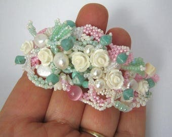 Floral bracelet, Gift for her, Beaded bracelet, bead jewelry, pastel mint, freeform beading, Handcrafted jewelry