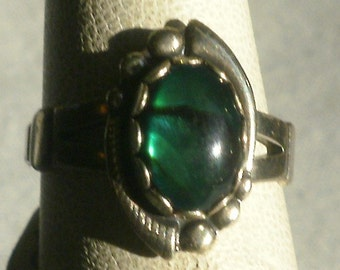 Vintage Sterling Silver Green Stone Ring-Size 4 1/2