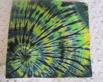 Tie dye bandanas in green, gold, and black!!
