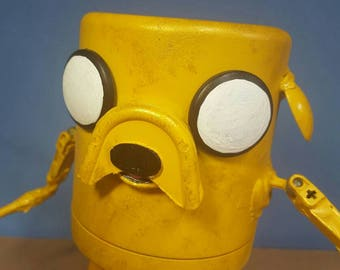 Assemblage yellow bug eyed dog