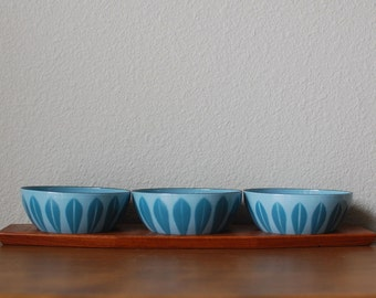 "Cathrineholm set of three 4"" Blue on blue lotus enamel bowls with tray Norway"