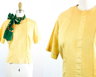 Vintage 1950s blouse .  Little Daffodil . yellow pintuck blouse . 1950s back button blouse . sm / md
