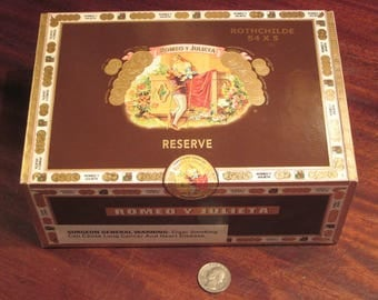Large Romeo Y Julieta Cigar Wood Box Love Story