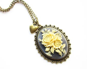 Kette,Kette Camee,Cameo Necklace,Romantic Vintage Style necklace,blue and cream,flower necklace,Vintage cameo necklace