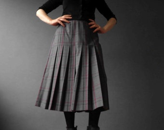 Vintage 80s Grey Plaid Pleated Wool Midi Skirt Small