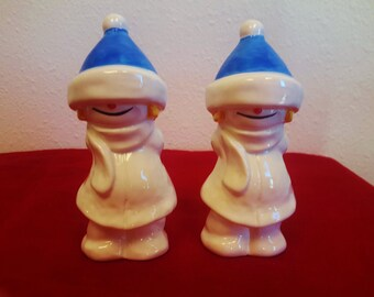 Goebel Whoosit Snow Kids Winter Figurine Pair 11-706 Blue Stocking Cap Holiday Decor