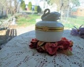 Lenox Swan trinket or ring porcelain box bridal gift guest or bath room and even the kitchen  keep rings safe