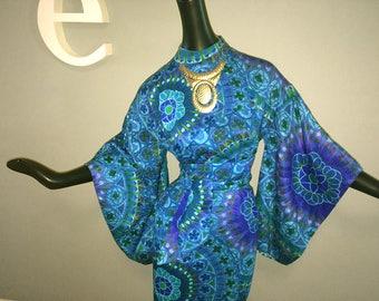 Waltah Clarke's Kimono Hawaiian Dress Vintage 1960s 60s Turquoise Blue & Purple Flower Power Mandala Polynesian Tropical Print Medium Large