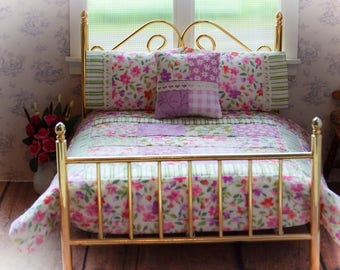 """Dollhouse Miniature Scale Quilt """"Wildflower""""  with 2 Matching Bed Pillows & Decorator Pillow - 1:12 Scale"""