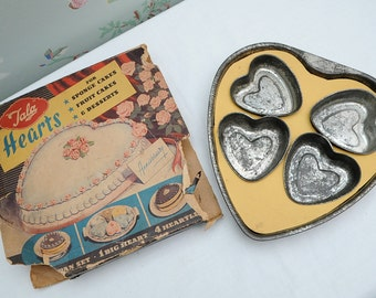 Tala Heart Baking Tin plus Four Heartlets