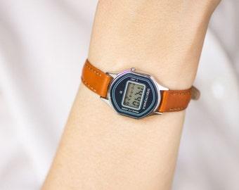 Soviet woman ELEKTRONIKA 51 watch, women's watch hexagon LCD 80s, navy women's watch digital, old skool watch, premium leather strap new