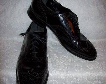 Vintage Men's Black Leather Wingtip Oxfords by Nunn Bush Size 9 1/2 Only 20 USD
