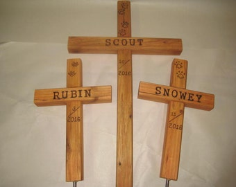 Memorial Pet Burial Cross Personalized - Name, dates and Paws.