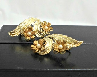 Feathery floral earring clip on vintage goldtone seed pearls