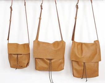 Bolsa - Messenger Bucket Crossbody Bag - Butterscotch