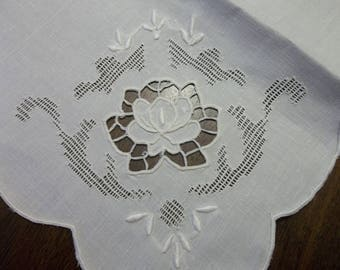 "Fab 7 Pristine MADEIRA LINEN  Napkins...Richelou Cutwork..Hand Embroidery...17"" Square..."